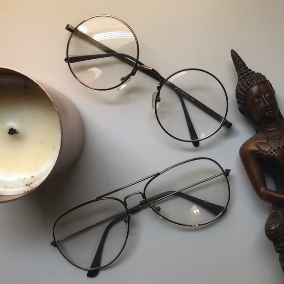 Accessories - Faux glasses. (Rounded ones)